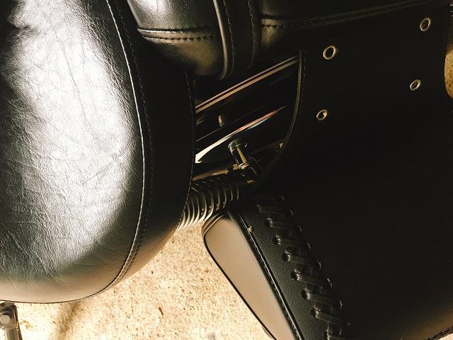 キャンピングシートバッグ2取り付け (3)