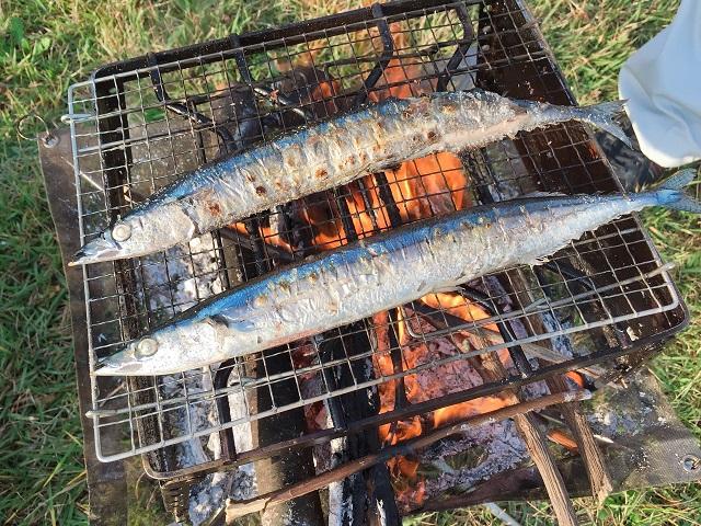 ファイアスタンドで秋刀魚