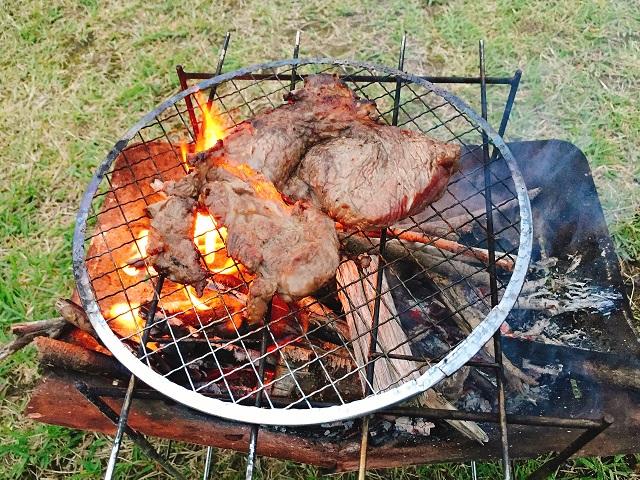 秋キャンプで肉