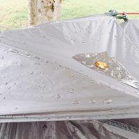 ソロキャンプで急な雨に降られた時の対策と必要な道具!