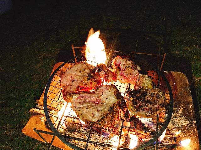 秋キャンプで肉を食いまくる (13)