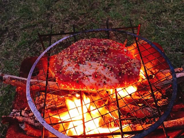 秋キャンプで肉を食いまくる (11)