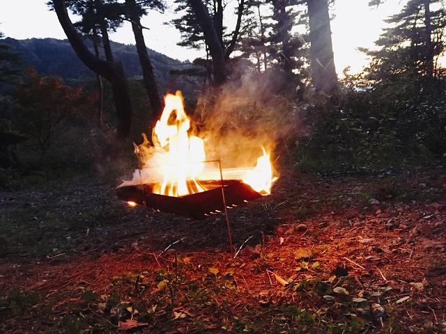 閑乗寺キャンプ場で焚き火