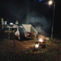 キャンプを仕事終わりに!夜の設営とキャンプ場選びのコツは?