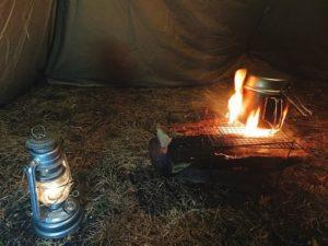 冬キャンプのレンコンテント