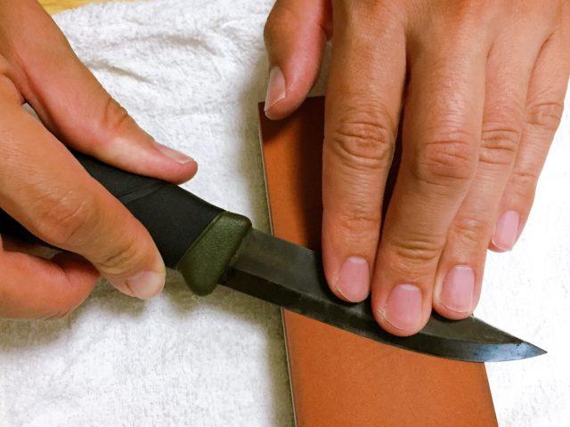 ナイフを研ぐ (14)