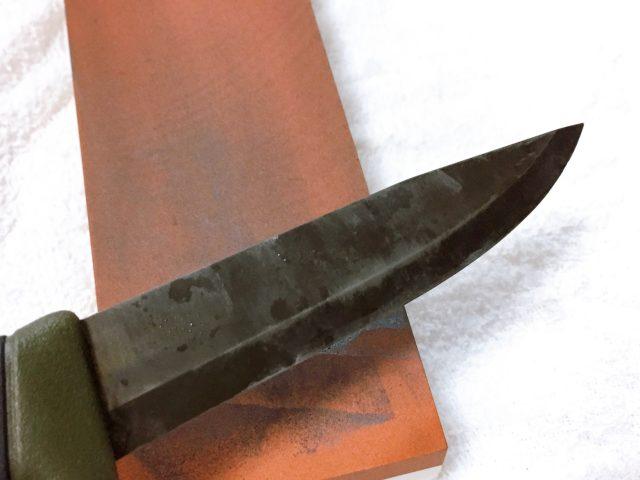 ナイフを研ぐ (17)