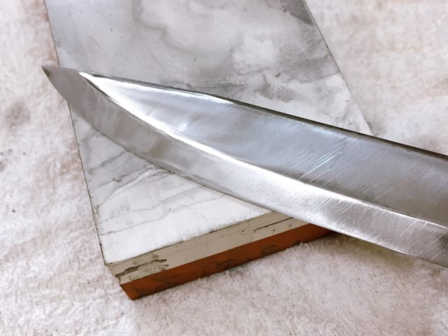ナイフを研ぐ (25)