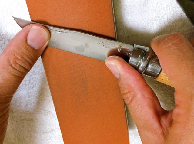 ナイフを研ぐ (13)