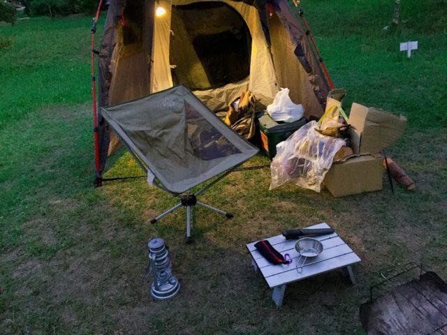 夏キャンプの夜からの設営