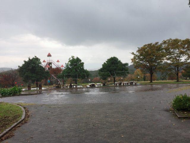 雨のキャンプ場1