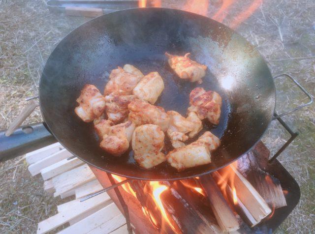 焚き火で調理 (10)