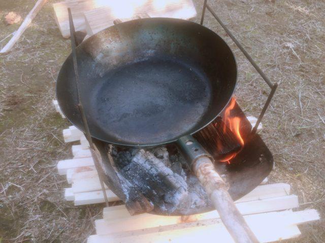 焚き火で調理 (7)