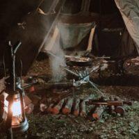 夜は焚き火をレンコンテント内にインストールしてのデュオキャンプ!