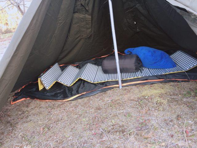 ポンチョテントでキャンプのはずが (20)