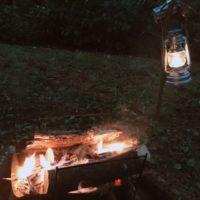 焚き火に火吹き棒はキャンプにあると便利な道具だけど本当に必要?