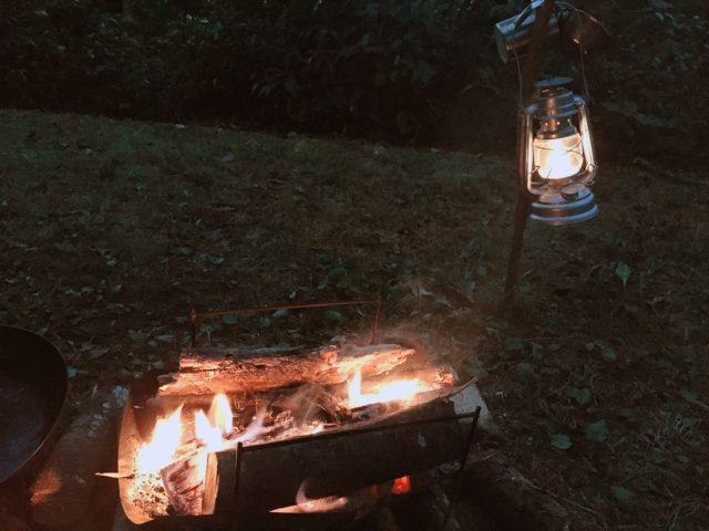 秋のレンコンテントと焚火