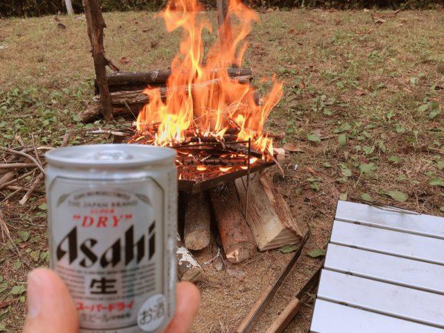 レンコンテントで焚き火とビール