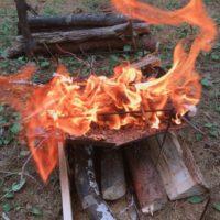 キャンプで使う耐熱グローブは格安でも使える?気になる耐熱性能は?