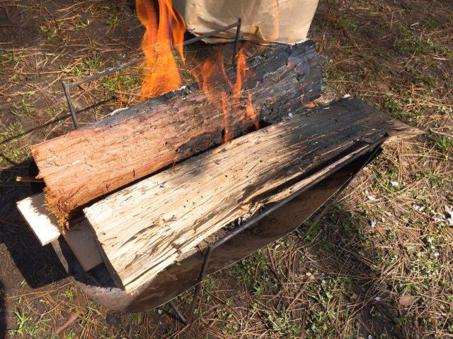火吹き棒と焚火