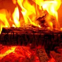冬キャンプに薪ストーブは絶対に必要?暖房を使う事のデメリットは?