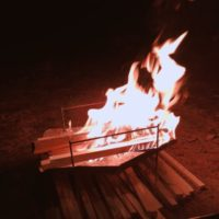おうちキャンプで手軽に焚き火気分を味わえるアイテムが登場!?
