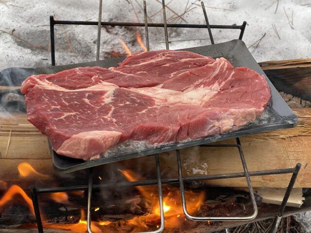 ヒロシ鉄板でステーキ!