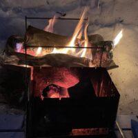 ソロキャンプの熱源は焚き火で十分?シングルバーナーは本当に必要か!?