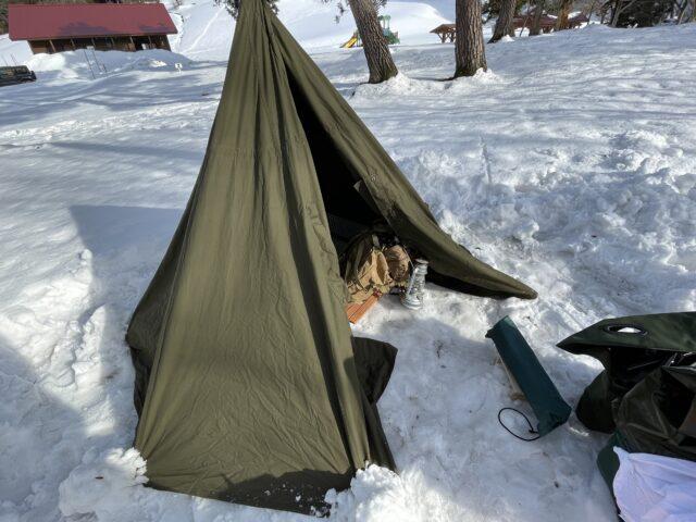 雪上でペグダウン (4)