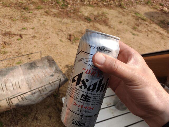 初春ソロキャンプ前半ビール